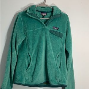 Green Patagonia fleece pullover size medium